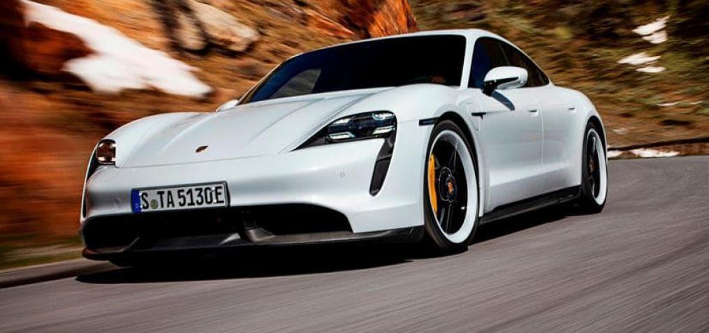 Porsche Taycan и виртуальная реальность